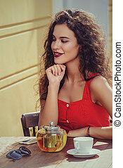 girl in summer cafe