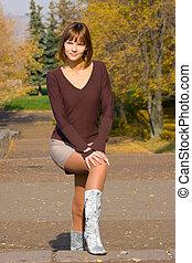 girl in the autumn park 2