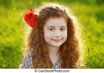 girl, jeune, herbe, sunset., portrait, extérieur, champ vert, beau