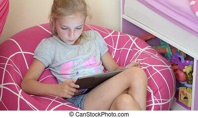 girl, jouer, tablette