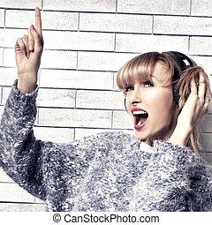 Girl listening music.