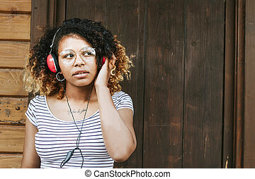 girl listening to music with your mobile phone