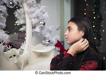 girl near mirror new year 4