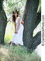 girl near the tree