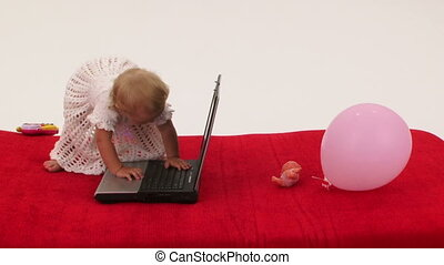 girl, ordinateur portable, dactylographie, bébé, keyboard., message