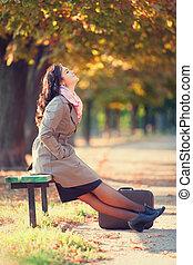 girl, outdoor., valise, automne