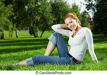 girl, pelouse