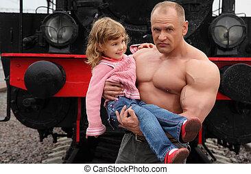 girl, peu, chemin fer, homme, sans chemise, fort, mains