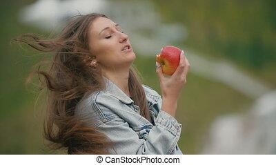 girl, pomme, manger