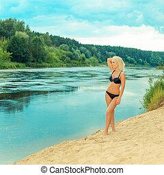 girl, portrait, bronzé, amusement, soleil, bikini, noir, extérieur, avoir, beau, plage.