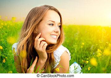 girl, pré, beauté, fleurs sauvages, herbe, mensonge, vert