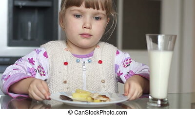 Girl rejecting food. She does not w