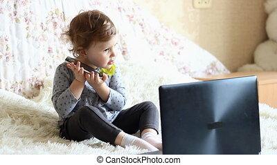 girl, séance, internet., étudier, ordinateur portable, beau
