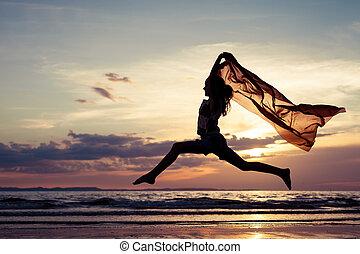 girl, sauter, plage, heureux