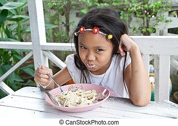 girl, spaghetti., manger