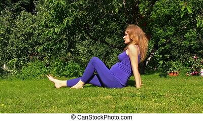 girl sport leg garden