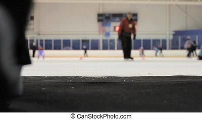girl, sur, patinoire, glace, promenades