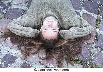 girl, sweater., mensonge, jeune, trottoir, chaud, autumn., joli