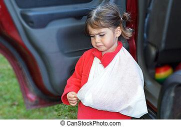 Girl with a broken arm - Sad little girl with a broken arm...