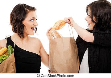girlfriends fighting over baguette