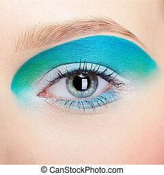 girl's eye-zone makeup