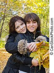 girls in autumn