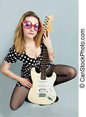 gitaar, blonde, vrouw kaukasiër, mooi