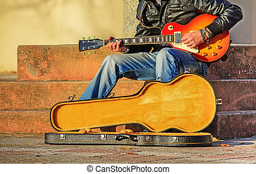 Gitarre, Spieler, rgeöffnete, reisekoffer