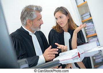 giudici, discussione