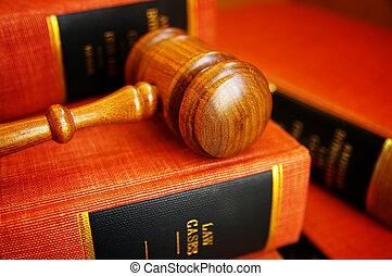 giudici, martelletto, su, uno, mucchio, di, libri legge