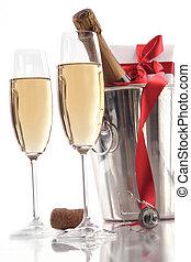 gläser champagner, für, tag valentines, mit, geschenk, und, geschenkband