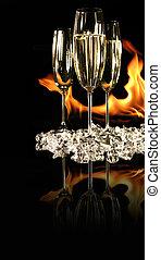 gläser champagner, mit, eis, und, feuer