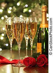 gläser champagner, mit, rote rosen