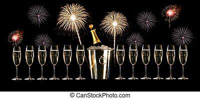gläser champagner, mit, silber, vereisen eimer, und, feuerwerk