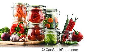 gläser, mit, eingelegt , lebensmittel, und, rohkost-gemüse, freigestellt, weiß