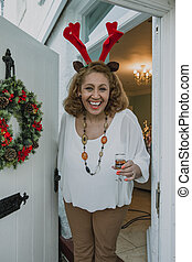 glædelig jul, kom, inside!