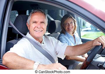 glücklich, ältere paare, in, der, auto.