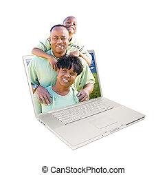 glücklich, afrikanische amerikanische familie, in, laptop