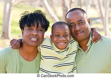 glücklich, afrikanischer amerikanischer mann, frau kind