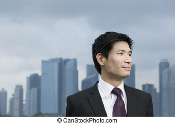 glücklich, asiatisches geschäft, mann, vor, city.