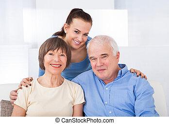 glücklich, caregiver, mit, ältere paare