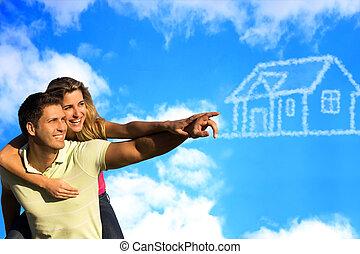 glücklich, coupleunder, der, blauer himmel, träumende, von, a, house.