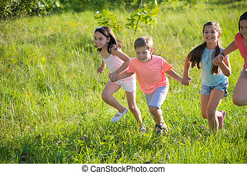 glücklich, gruppe, spielende kinder