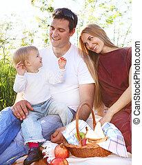 glücklich, junge familie