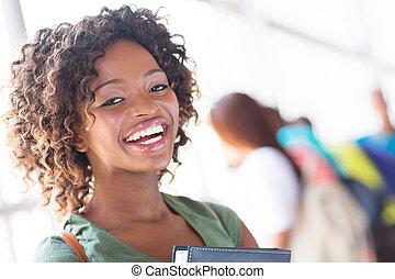 glücklich, junger, afrikanischer amerikaner, hochschule, m�dchen