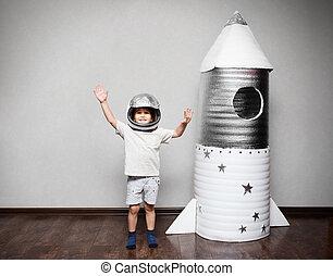 gemacht rocket hand angezogene astronaut kost m kind bild suche foto clipart. Black Bedroom Furniture Sets. Home Design Ideas