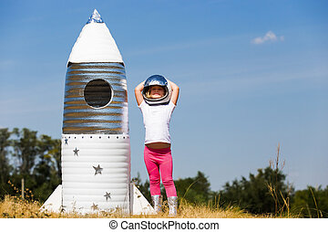 gemacht rocket hand angezogene astronaut kost m kind spielen gl cklich. Black Bedroom Furniture Sets. Home Design Ideas