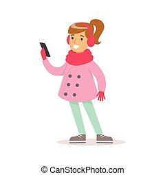 glücklich, m�dchen, mit, pferdeschwanz, in, klassisch, girly, farbe kleidt, lächeln, karikatur, zeichen, anschauen, smartphone