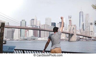 glücklich, mann, reisender, läufe, auf, zu, episch, berühmt,...