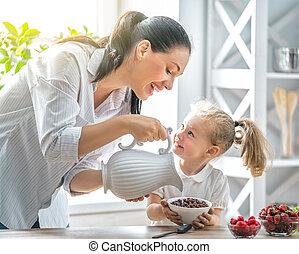 glückliche familie, haben, breakfast.